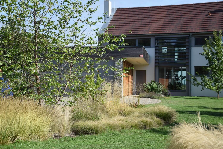 realizace a údržba zahrad - CEMBRA